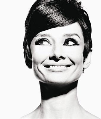 Audrey_Hepburn_1965_2_