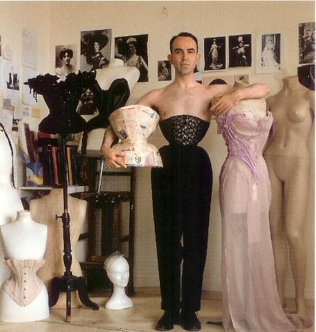 Mr. Pearl em seu atelier